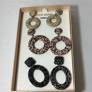 NWT Steve Madden earring set